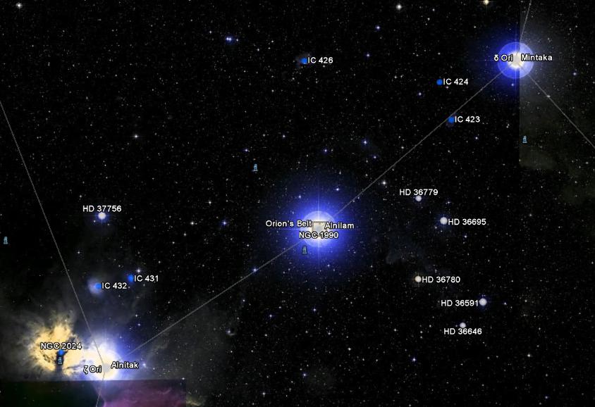 Cinturão do Orion é composto de 3 estrelas. Duas delas estão alinhadas, enquanto a terceira é um pouco deslocada. Imagem do Google Sky 2011, mostrando uma foto de 2007