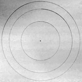El que quiera dibujarlo directamente para utilizar o no tenga los conocimientos del material del Templo de Cristal, puede directamente dibujar 3 Círculos concéntricos de 16,2 cm de diámetro, 13 cm y 8,2 cm.